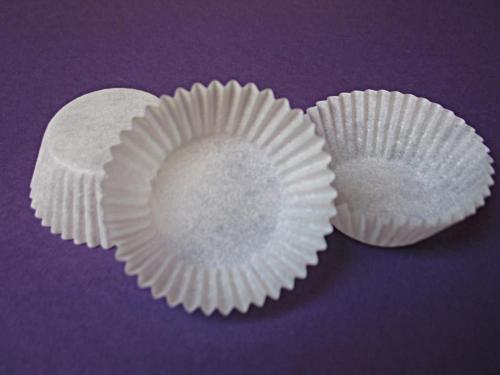 Obraz dołączony do pytania Czy do pieczenia babeczek, potrzebna jest forma, czy wystarczą papilotki (papierki)?