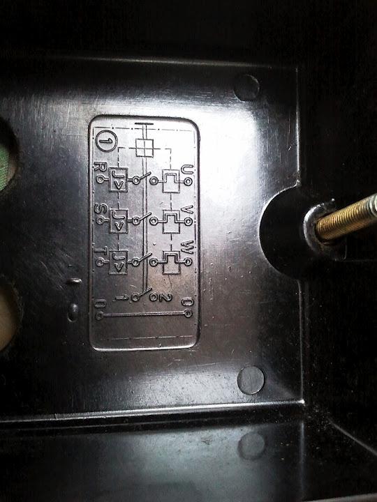Obraz dołączony do pytania Jak przestawić litery zegara w SE k800i?