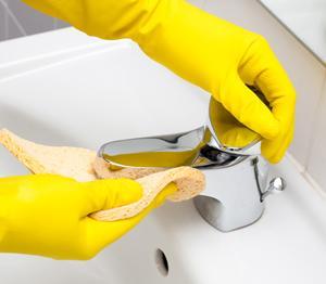 Jak sprzątać łazienkę