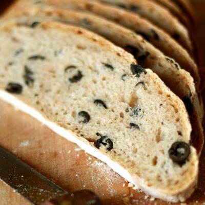 Jak upiec chleb z oliwkami
