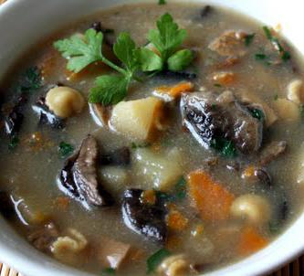 Jak przyrządzić zupę grzybową na Boże Narodzenie