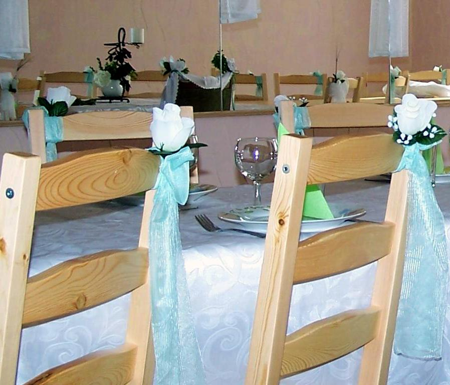 Jak udekorować stół na chrzciny