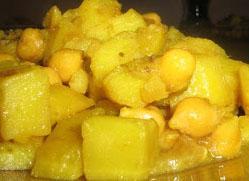 Jak przyrządzić curry z cieciorką i ziemniakami