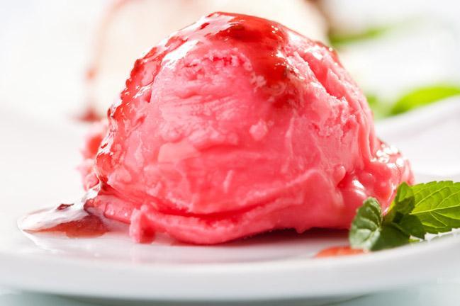 Jak zrobić loda truskawkowego