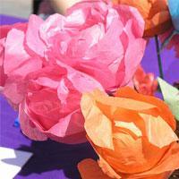 Różyczka z papierowych serwetek