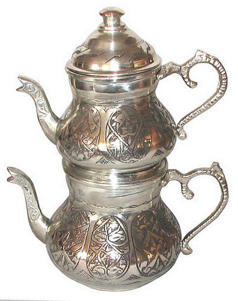 Jak zrobić herbatę inną niż wszystkie - przepis na herbatę po turecku