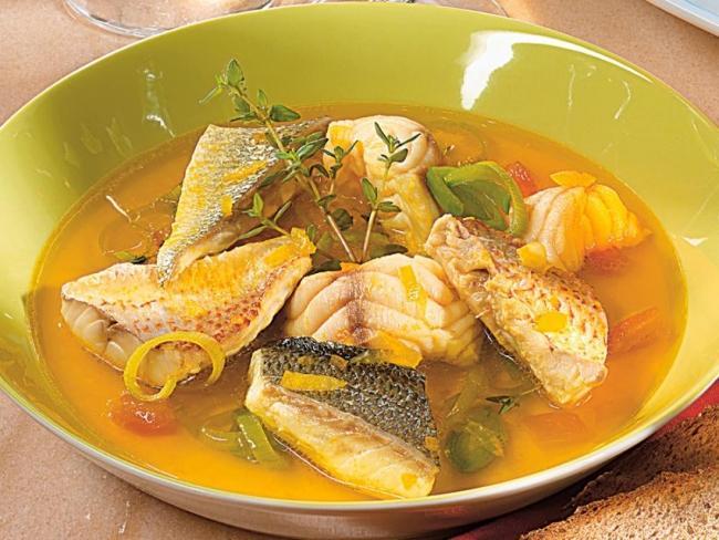 Jak ugotować zupę rybną z karpia