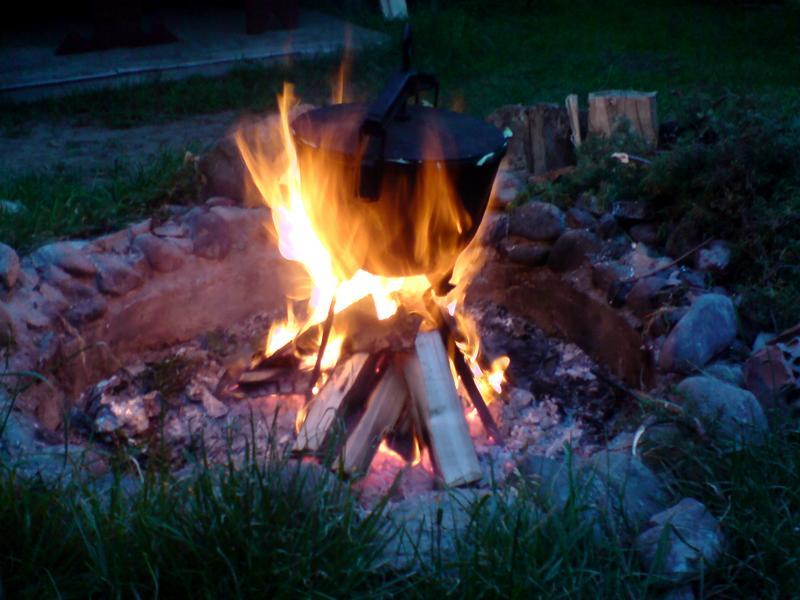 Bunclok smaczna i zdrowa potrawa z ogniska