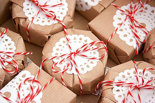 Jak nietypowo pakować prezenty świąteczne