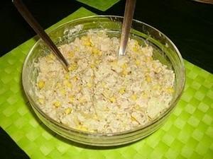 Jak zrobić sałatkę z tuńczyka