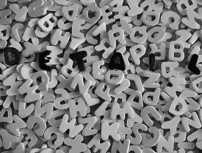 """""""Skąd"""", czy """"z kąd"""" - poprawna pisownia"""