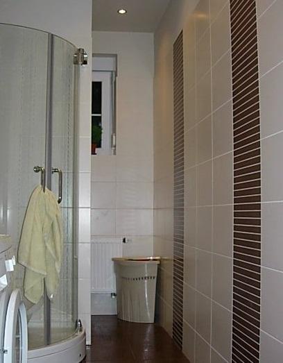 Jak sprawić aby wąska łazienka wyglądała na szerszą