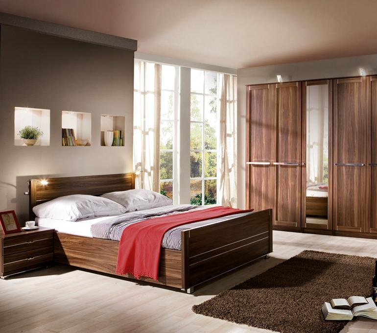 Jak zaaranżować dużą sypialnię