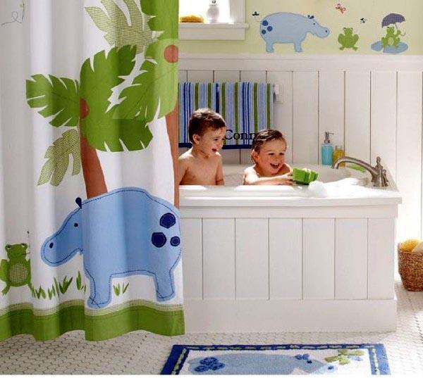 Jak zaaranżować przyjazną dla dziecka łazienkę