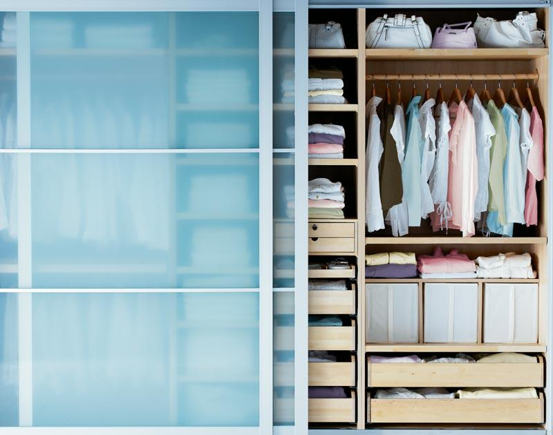 Jak rozplanować miejsce w szafie