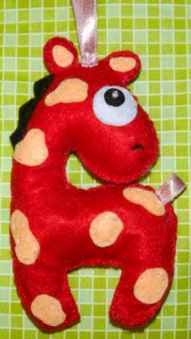 Jak zrobić zwierzątka z filcu - żyrafa z filcu