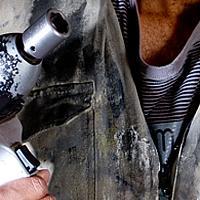 Jak usunąć plamy ze smaru?