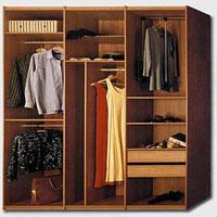 Jak pozbyć się zapachu stęchlizny z szafy