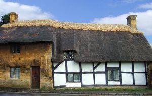 Jaki dach wybrać - dach ze strzechy i słomy