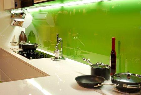 Jakie jest zastosowanie lakierowanego szkła